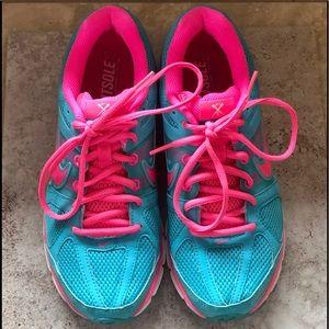 Nike Women's Air Pegasus 28 Running Shoes